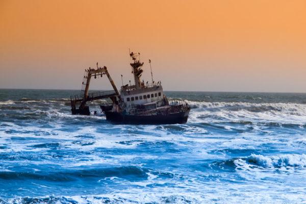 Shipwreck-on-Skeleton-Coast-in-Namibia